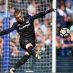 Everton's Jordan Pickford Renews Contract at the Club Until 2026